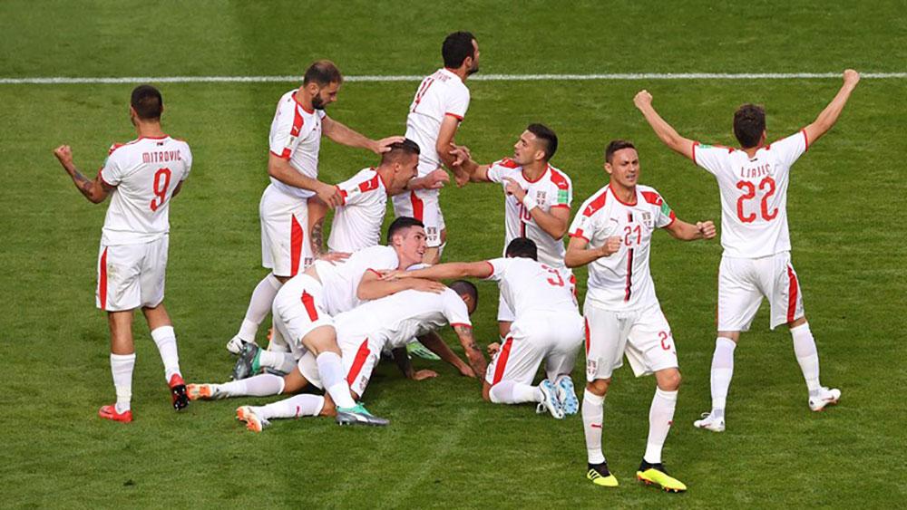Kolarov sút phạt đẹp chẳng kém Ronaldo, Serbia thắng Costa Rica với tỉ số tối thiểu